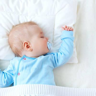 fr here beikost l sst babys l nger schlafen und weniger oft aufwachen. Black Bedroom Furniture Sets. Home Design Ideas